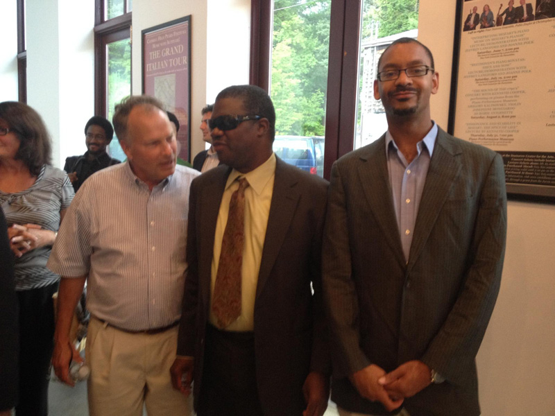 Thomas conversing with Marcus Roberts and Jason Marsalis after Ragtime to Swing Masterclass , August 2014